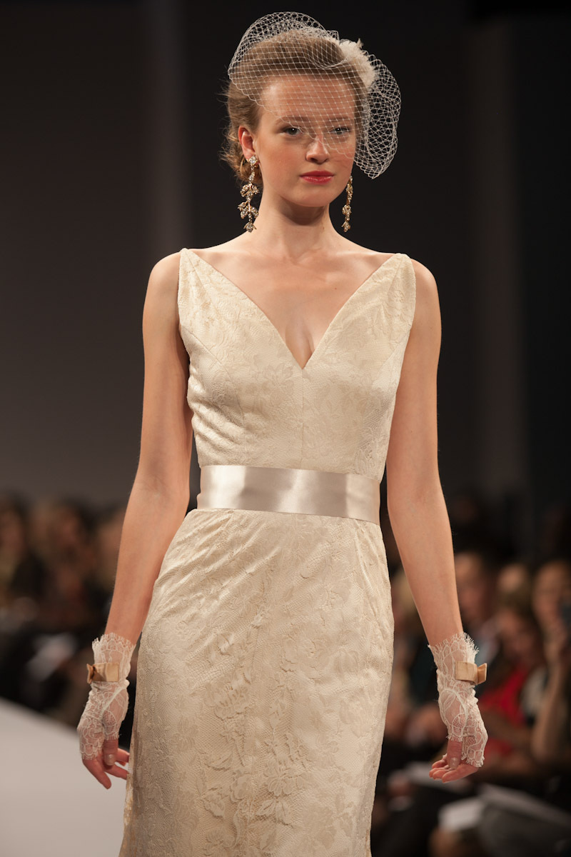 Anne-barge-wedding-dress-fall-2013-bridal-gabrielle-d.full