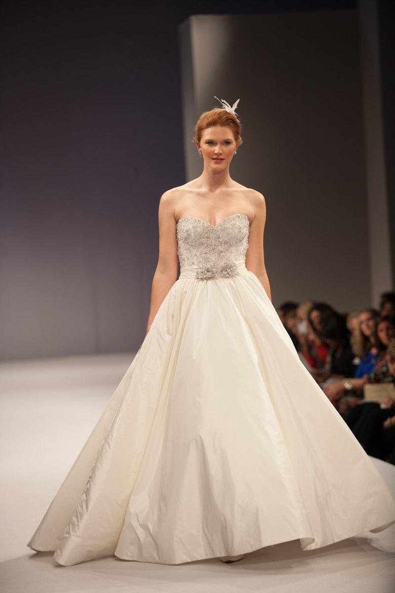 Anne-barge-wedding-dress-fall-2013-bridal-antoinette.full