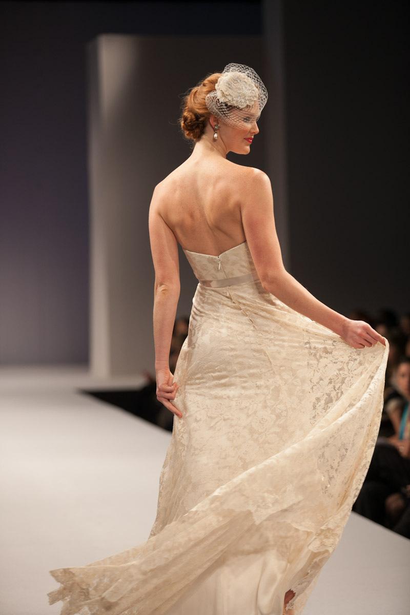 Anne-barge-wedding-dress-fall-2013-bridal-zoe-back.full