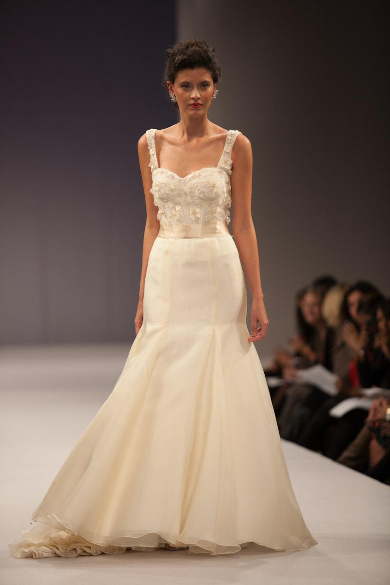 Anne-barge-wedding-dress-fall-2013-bridal-cosette.full