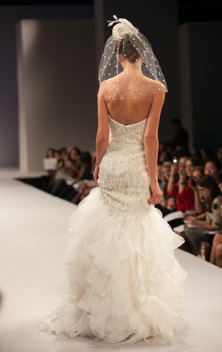 Anne-barge-wedding-dress-fall-2013-bridal-angelique-5.full