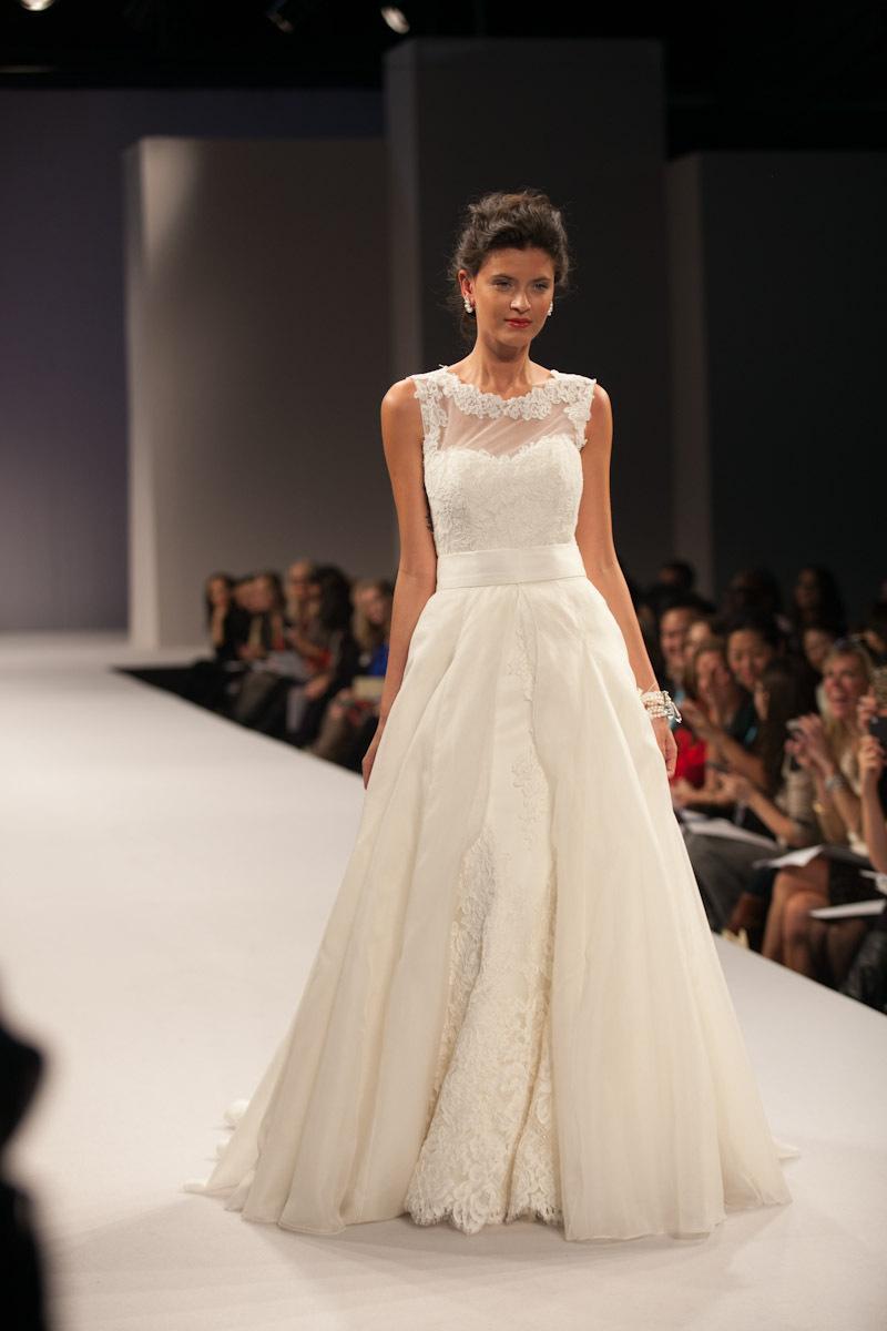 Anne-barge-wedding-dress-fall-2013-bridal-victorie.full