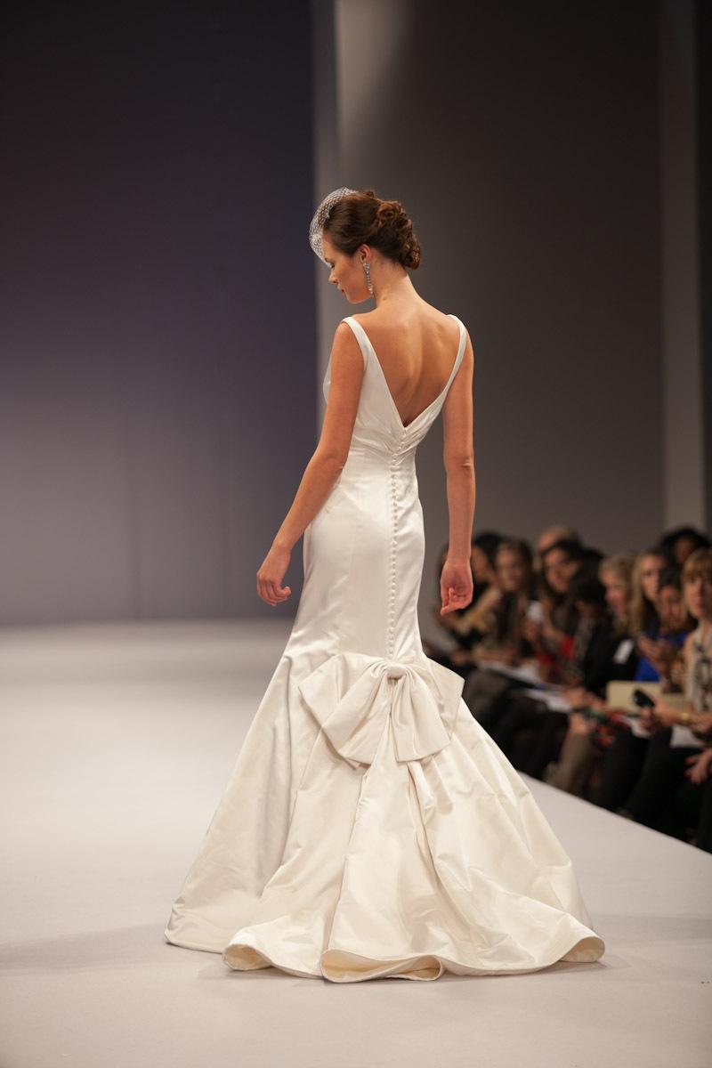 Anne-barge-wedding-dress-fall-2013-bridal-chantal-b.full