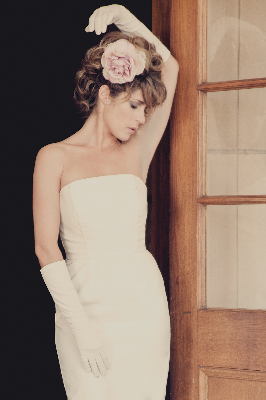 Wedding-dresses-for-the-vintage-bride-bouffant-bridal-gowns-accessories-10.full