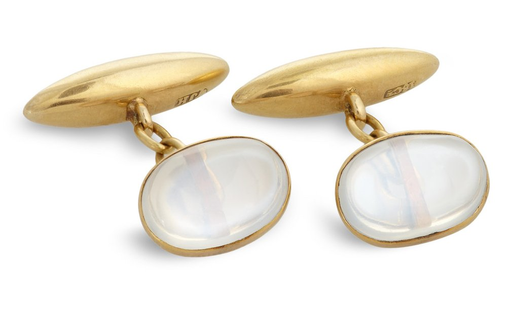 Grooms-wedding-attire-dapper-accessories-statement-cufflinks-gold-opal.full
