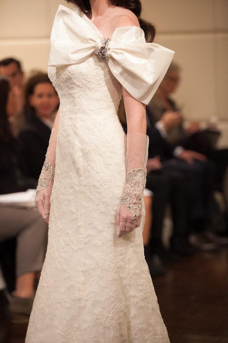 Fall-2013-wedding-dress-badgley-mischka-bridal-gowns-venus-d.full