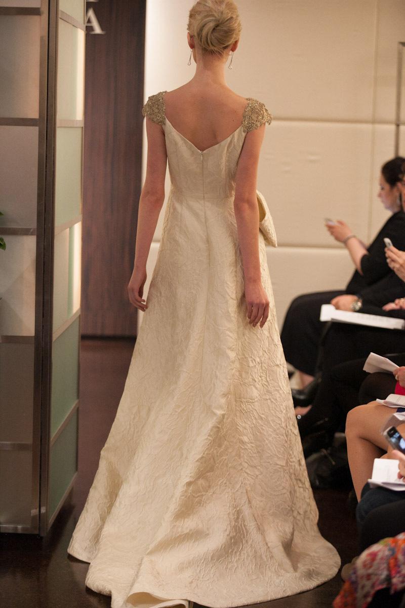 Fall-2013-wedding-dress-badgley-mischka-bridal-gowns-ariel-b.full