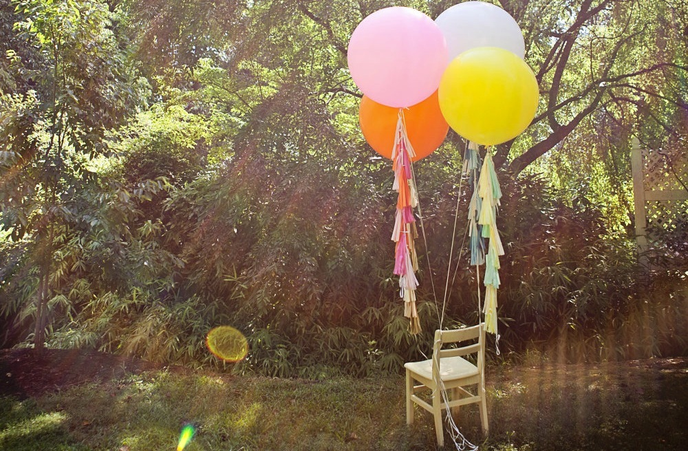 unique wedding ideas Groomie we blew up the reception decorations balloons