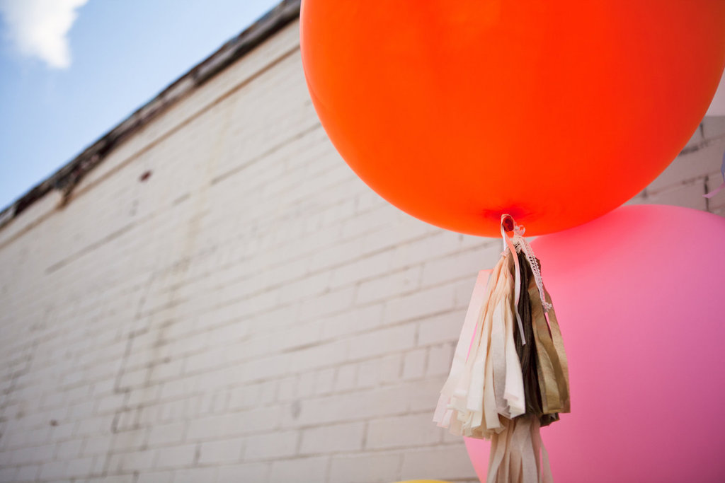 Unique-wedding-ideas-groomie-we-blew-up-the-reception-decorations-balloons-2.full