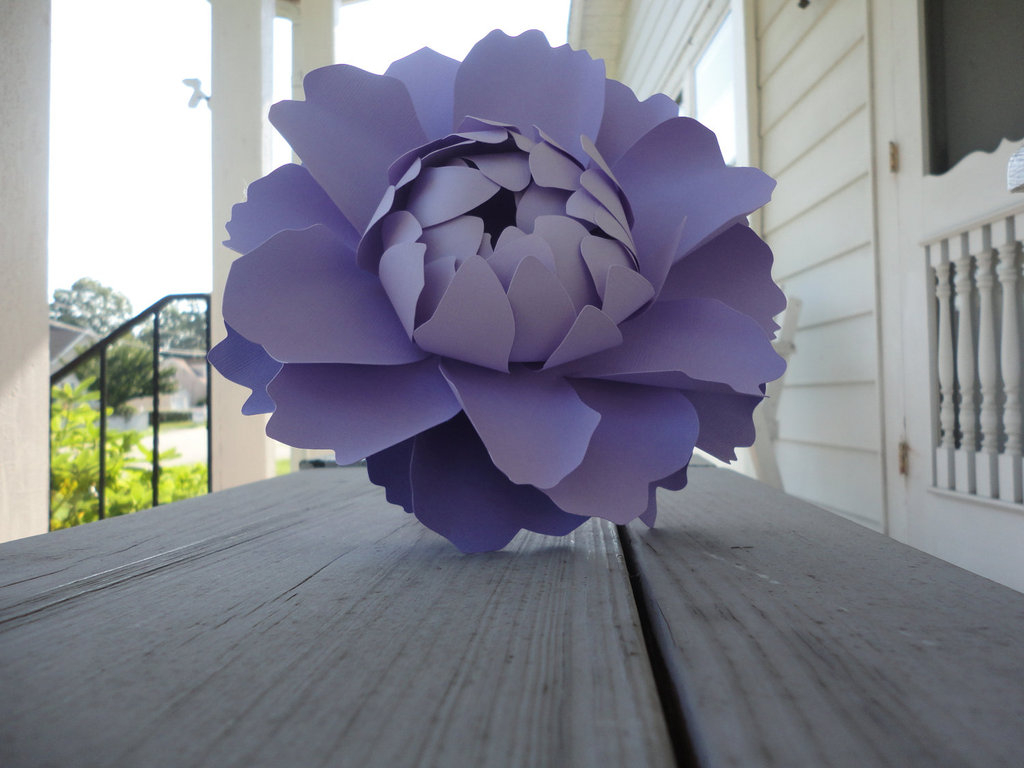 unique wedding ideas Groomie we blew up the reception decorations paper peony bouquet