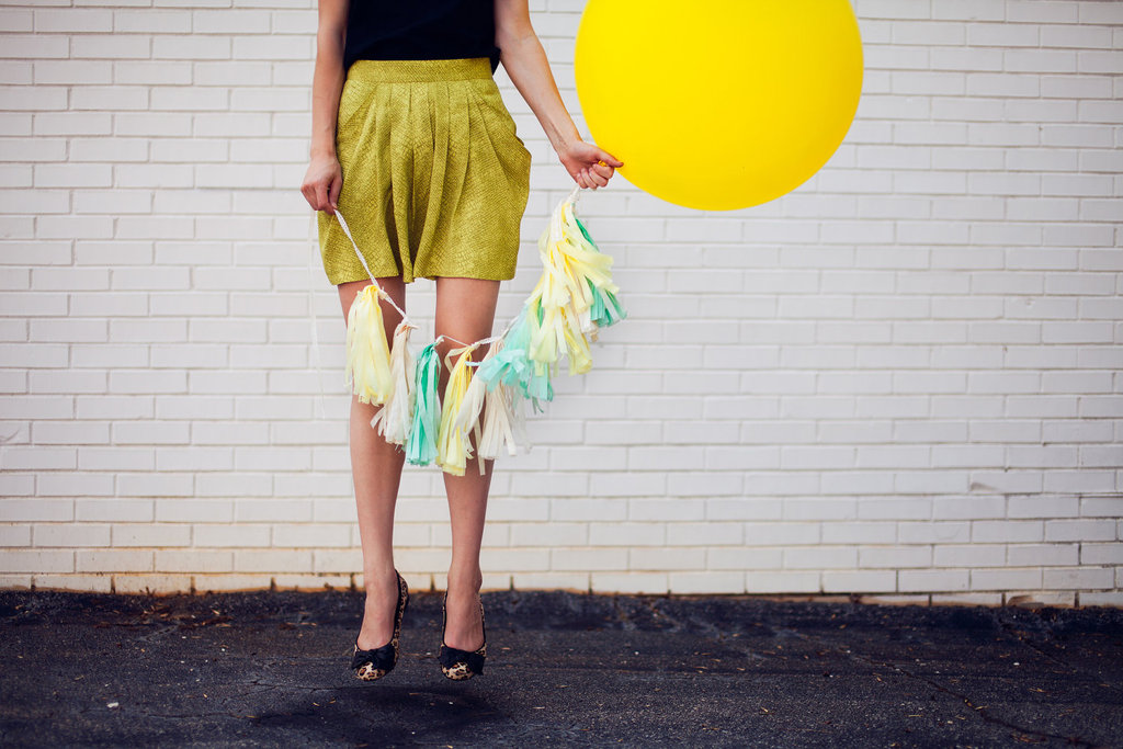 Unique-wedding-ideas-groomie-we-blew-up-the-reception-decorations-yellow-balloon.full