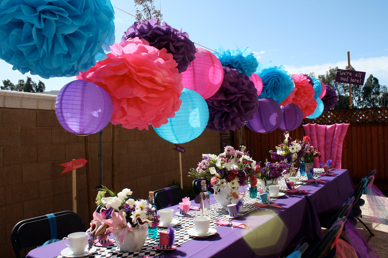 Unique-wedding-ideas-groomie-we-blew-up-the-reception-decorations ...