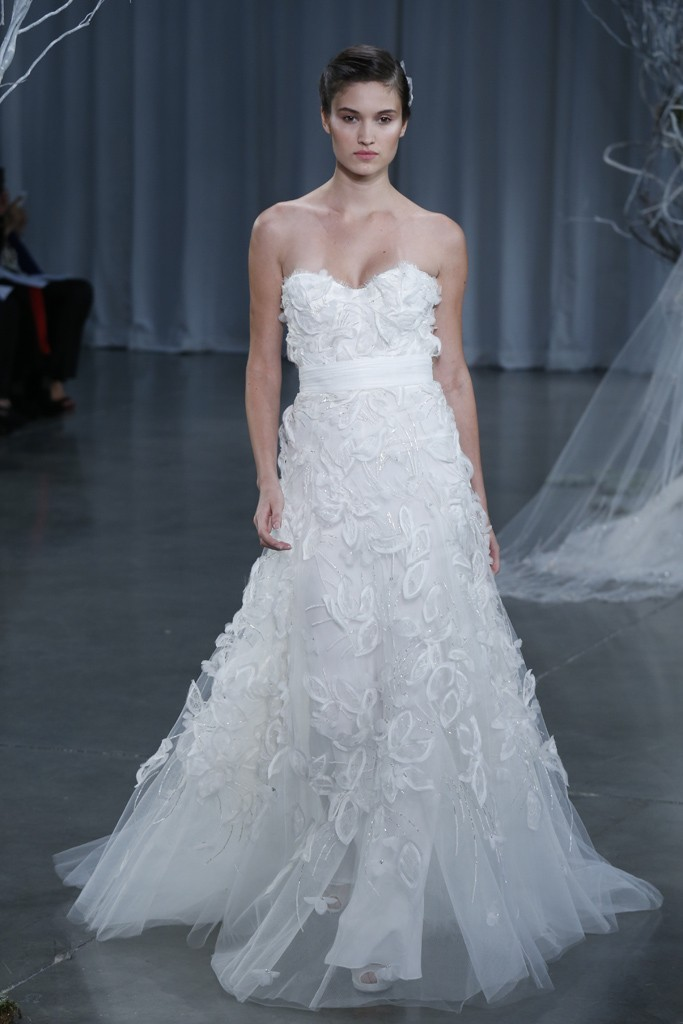 Fall-2013-wedding-dress-monique-lhuillier-bridal-gowns-devine.full