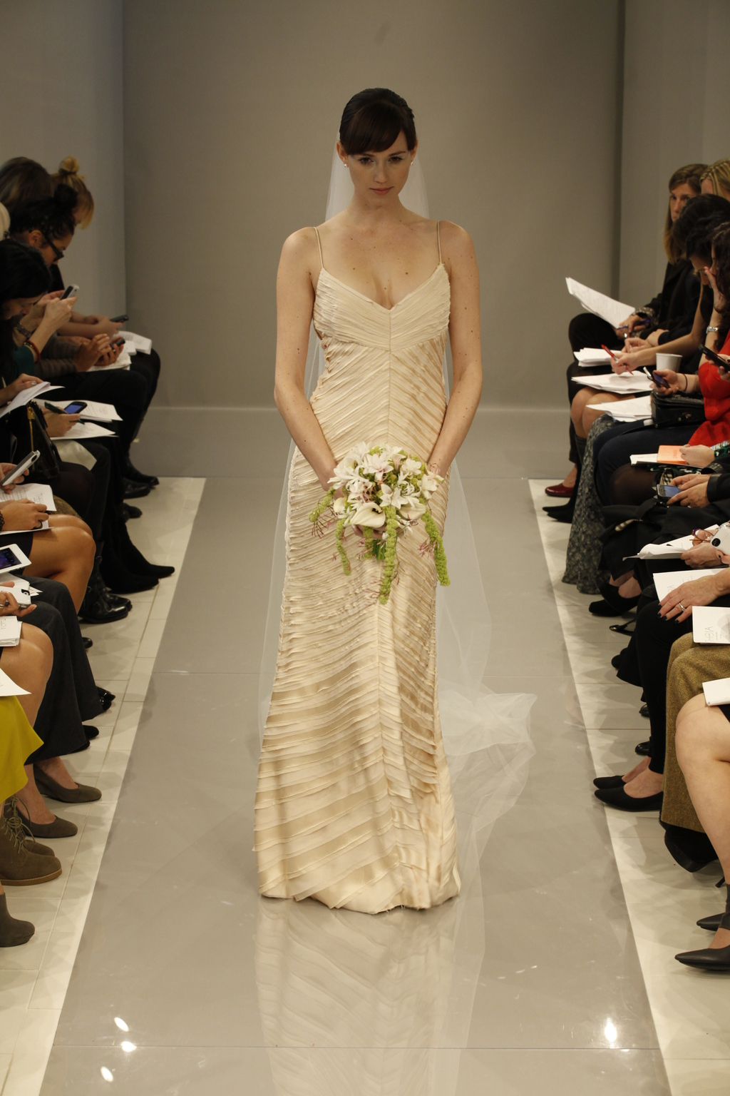 Theia-white-collection-wedding-dress-fall-2013-bridal-gown-13-890041.full