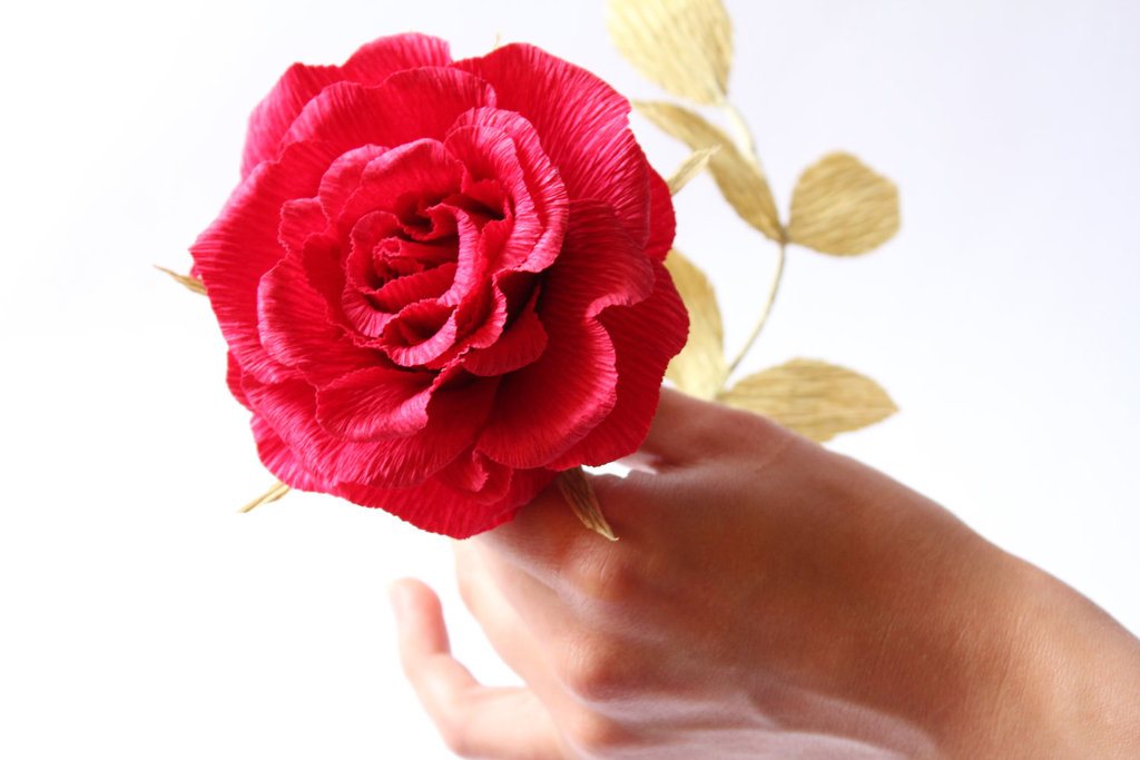 Handmade-weddings-how-to-style-a-romantic-winter-wedding-paper-rose.full