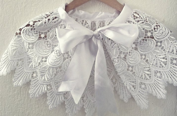 Handmade-weddings-how-to-style-a-romantic-winter-wedding-lace-cape.full
