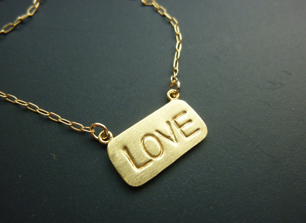Customized-wedding-jewelry-engraved-monogram-necklace-gold-love.full