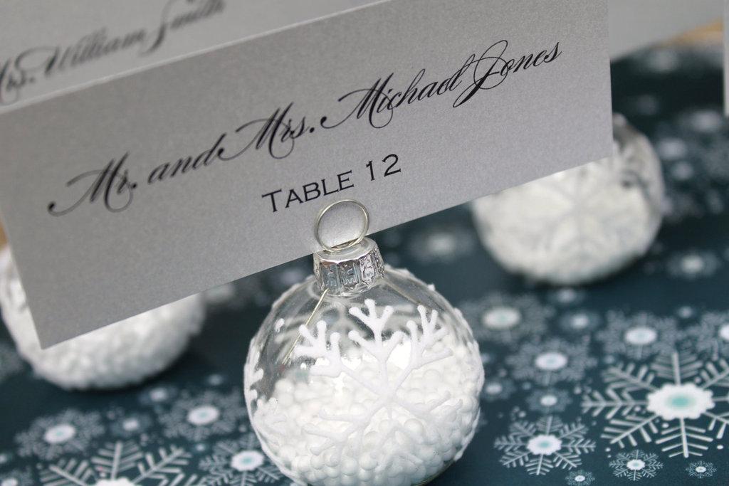 Handmade-weddings-how-to-style-a-romantic-winter-wedding-snowflake-escort-cards.full