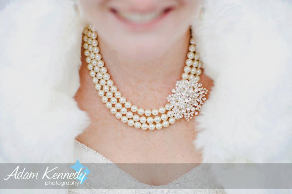 Handmade-weddings-how-to-style-a-romantic-winter-wedding-pearl-necklace.full