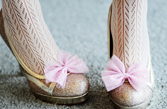 Handmade Weddings How to style a romantic winter wedding pink sparkle shoe clips