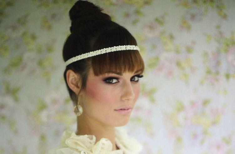 Wedding-accessories-bridal-style-inspiration-sequin-tiara.full