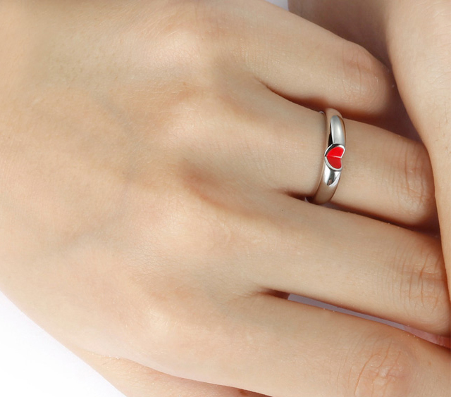 Unique-wedding-rings-meaningful-gifts-for-bride-or-groom-2.full