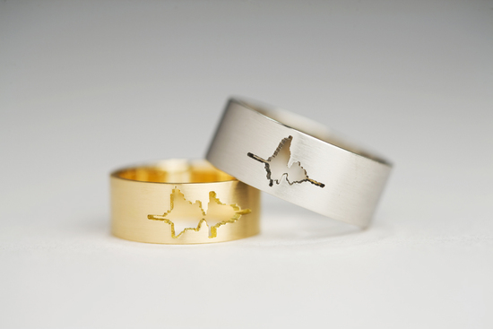 photo of Sound Wave Wedding Rings via The Fancy