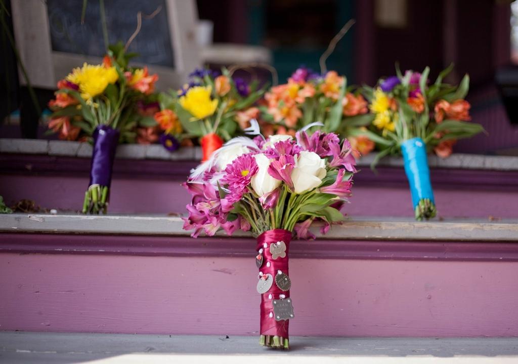 Beach-wedding-in-delaware-bouquets.full