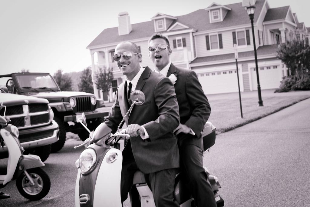 Beach-wedding-in-delaware-cool-groom-groomsmen-transportation.full