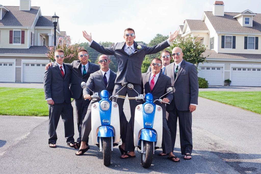 Beach-wedding-in-delaware-groom-with-groomsmen.full