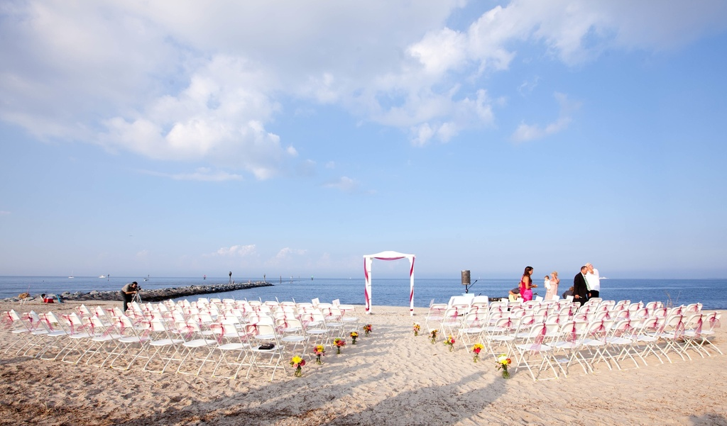 Beach-wedding-in-delaware-simple-outdoor-ceremony.full