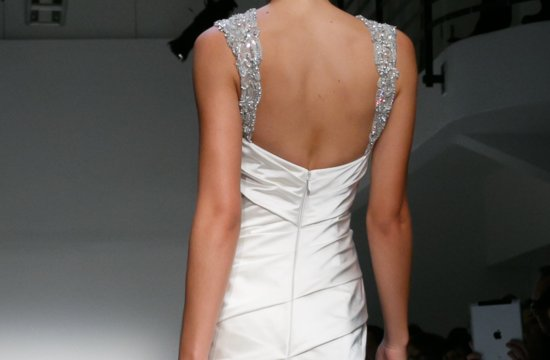 Fall 2013 Wedding Dresses with Stunning Statement Backs 1