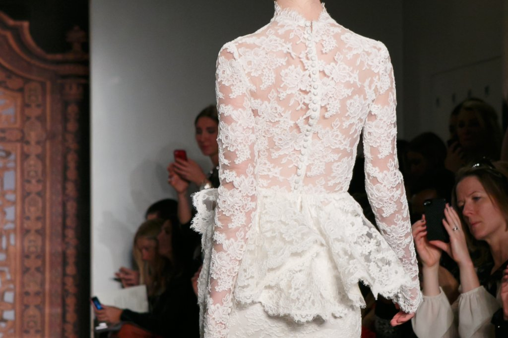 Fall 2013 Wedding Dresses with Statement Backs Reem Acra 5