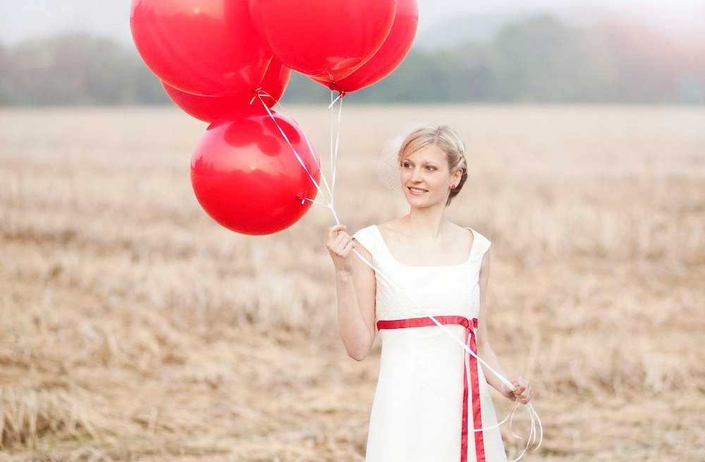 Red-wedding-accessories-big-balloons.full