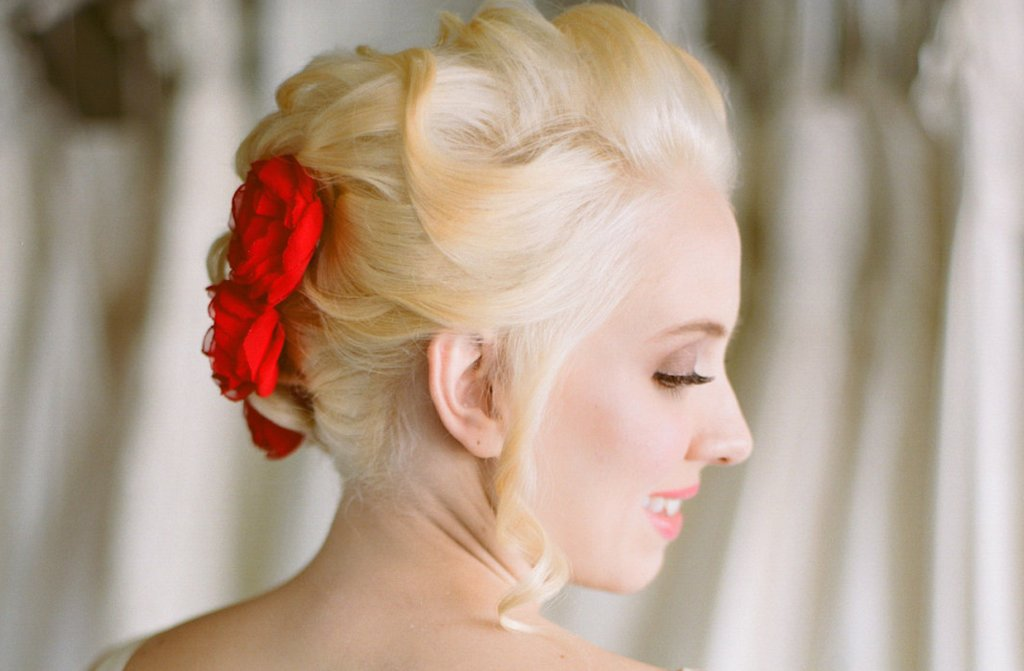 Racy-red-wedding-accessories-handmade-hair-flowers-2 fullRacy Wedding Photos
