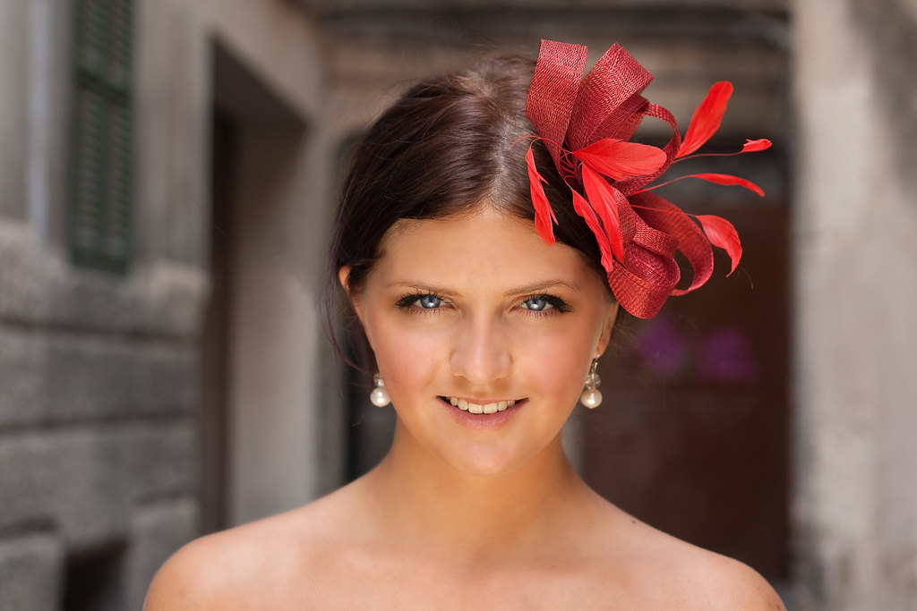 Red Wedding Accessories for a Dramatic Bridal Entrance feather fascinator