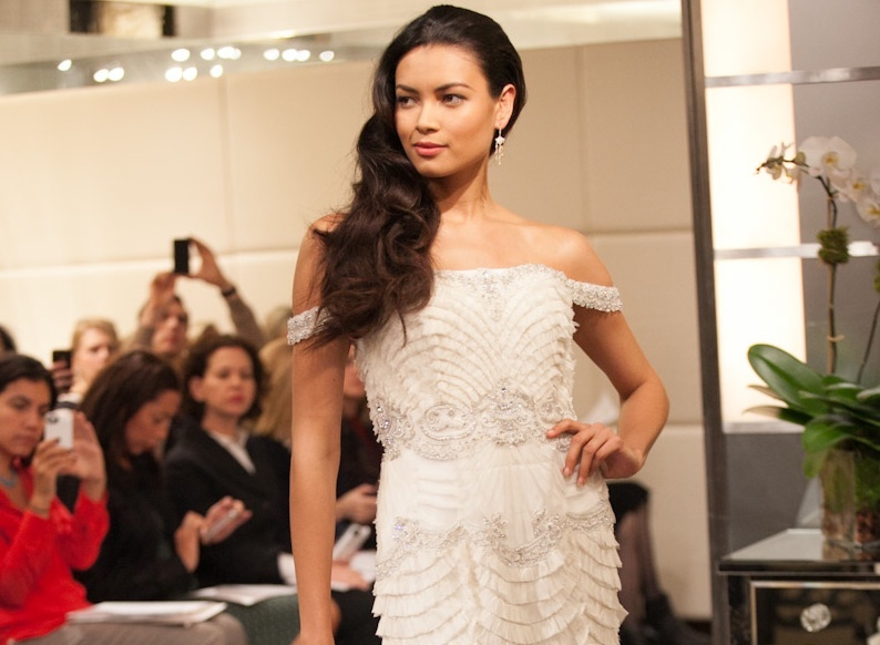 Wedding-hairstyle-trends-from-fall-2013-bridal-market-loose-waves-2.full