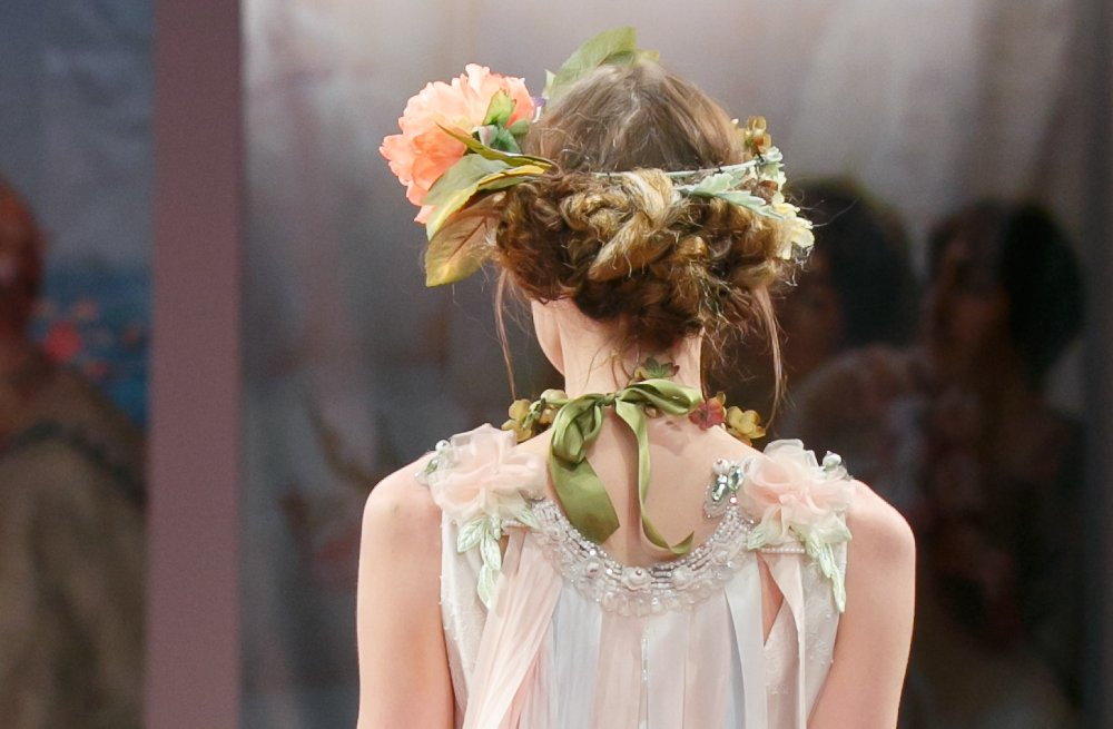 Wedding-hairstyle-trends-report-fall-2013-bridal-claire-pettibone-2.full