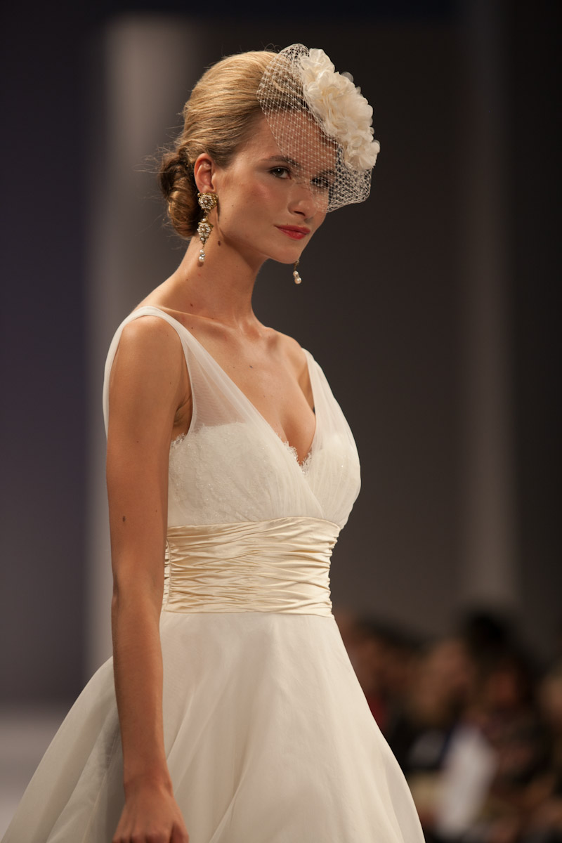 Hair Tips and Styles to Keep Wedding Hairstyle Attune to the Season