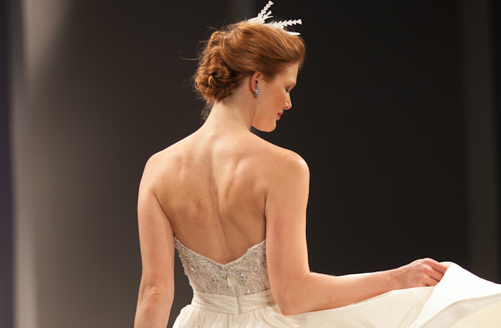 Wedding-hairstyle-trends-pulled-back-chignon-anne-barge-1.original