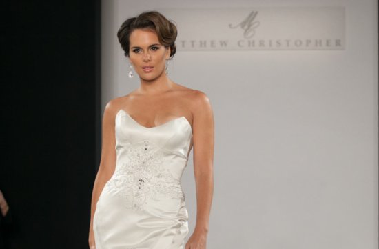 Wedding Hairstyle Trends Pulled Back Chignon Retro Glam