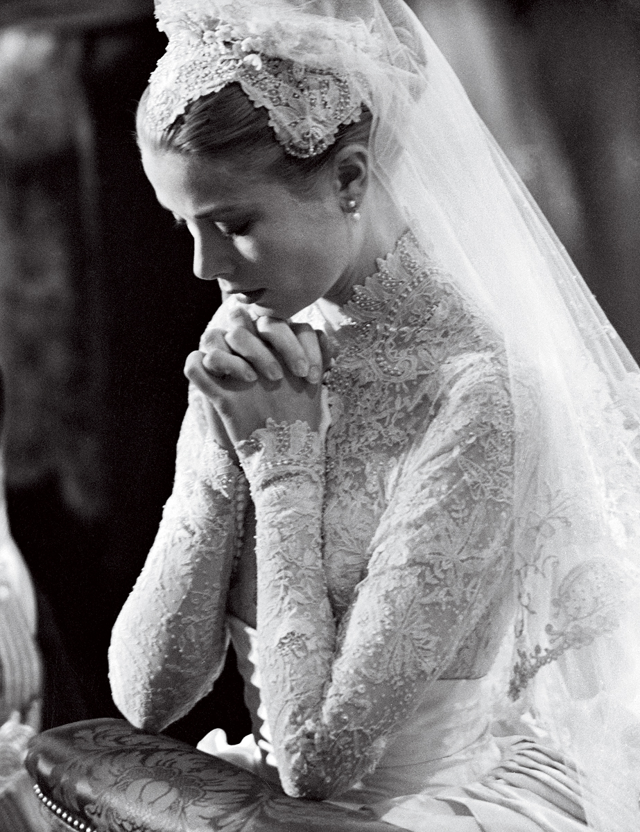 Wedding-fashion-by-vogue-brides-through-history-5.full