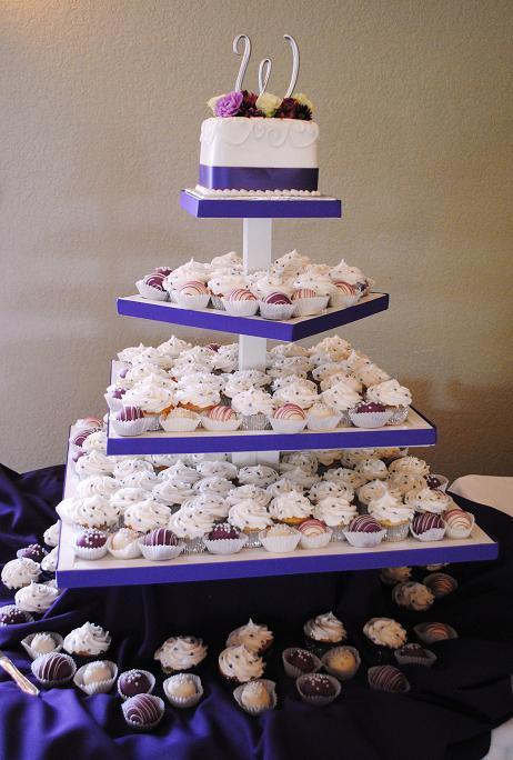 Purple%20wedding%20cupcakes%20and%20cakeballs.full