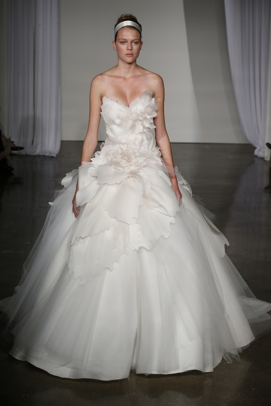 Fall 2013 wedding dress Marchesa bridal 21