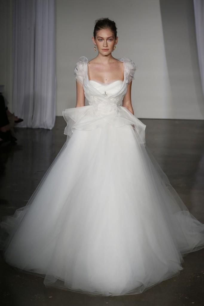 Fall-2013-wedding-dress-marchesa-bridal-7.full