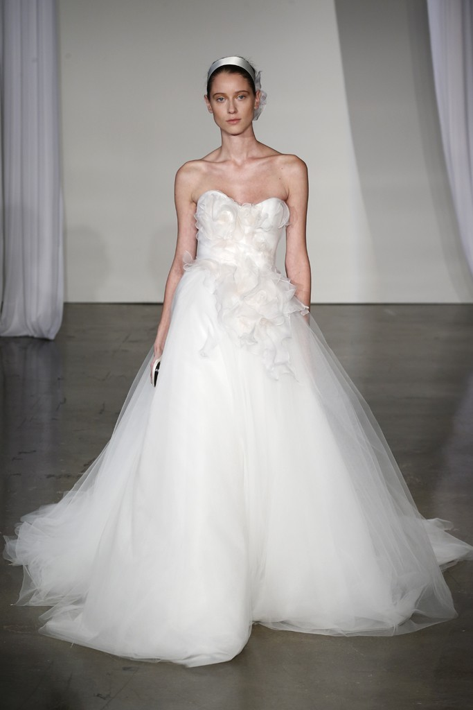 Fall-2013-wedding-dress-marchesa-bridal-9.full