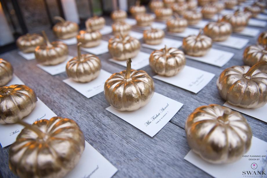 Creative-wedding-ideas-escort-cards-at-reception-3-diys-gold-leaf-pumpkins.full