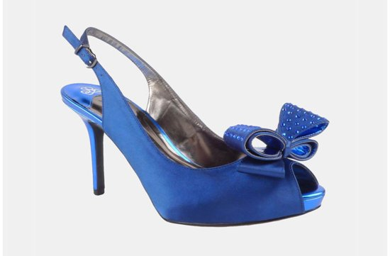 Something Blue for the Bride affordable wedding accessories 2