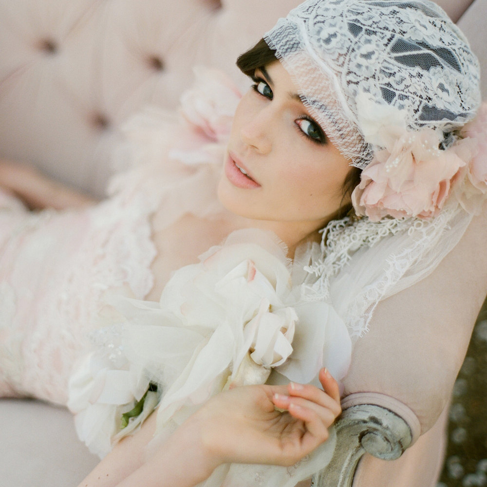 Great-gatsby-wedding-inspiration-for-vintage-brides-4.full