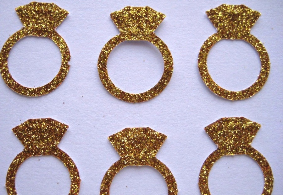Glittery-gold-wedding-finds-for-glam-handmade-weddings-props.full